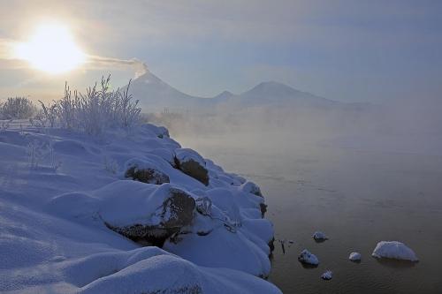 Ключевской, Средний и Крестовский, Река Камчатка